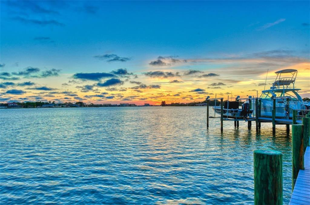 Tranquil views, quick gulf access, boaters haven. - Single Family Home for sale at 737 Eagle Point Dr, Venice, FL 34285 - MLS Number is A4428917