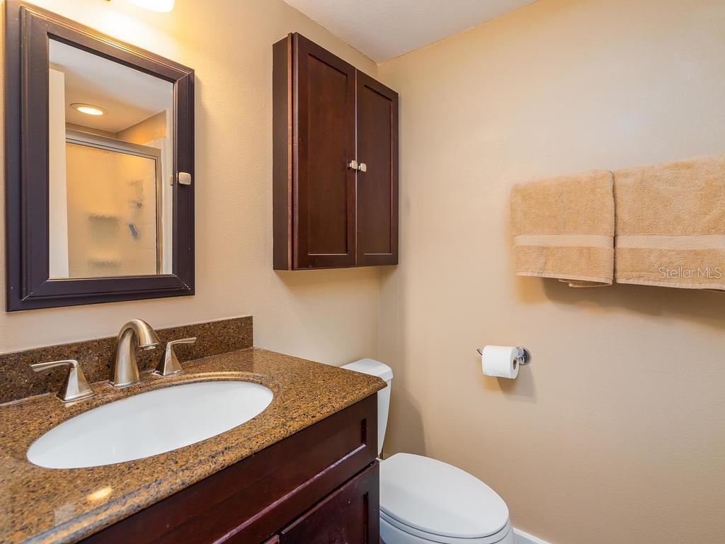 Updated master bath - Condo for sale at 131 Garfield Dr #1b, Sarasota, FL 34236 - MLS Number is A4432013