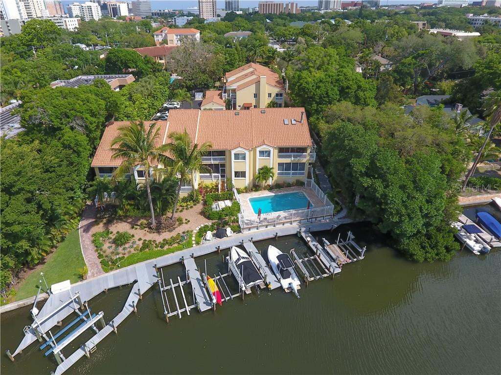Condo for sale at 852 Hudson Ave #852, Sarasota, FL 34236 - MLS Number is A4432602