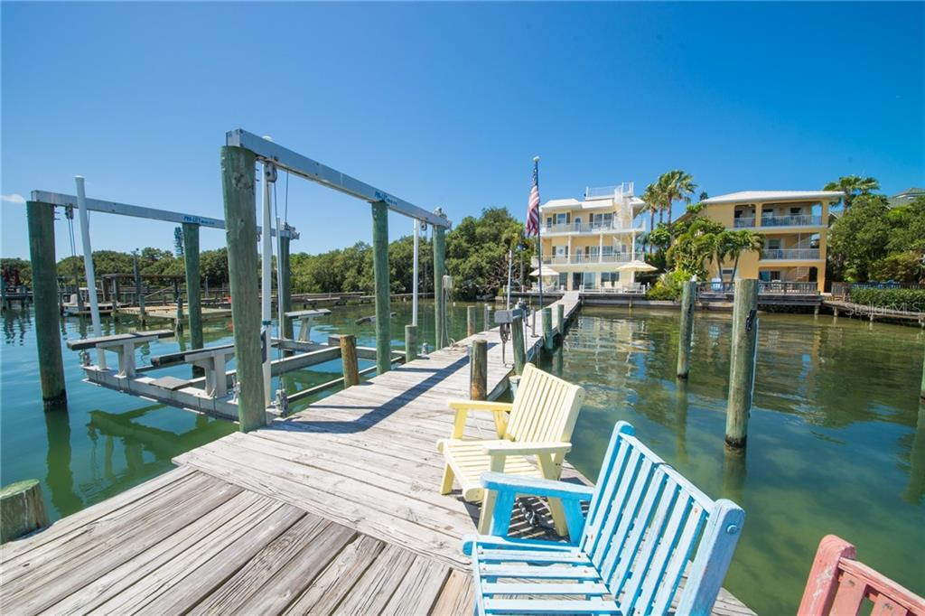 19 lb. Boat Lift - Single Family Home for sale at 2405 Avenue A, Bradenton Beach, FL 34217 - MLS Number is A4433128