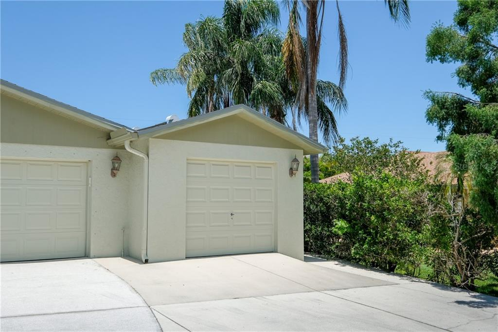 Apartment - Single Family Home for sale at 6462 Beechwood Ave, Sarasota, FL 34231 - MLS Number is A4436790