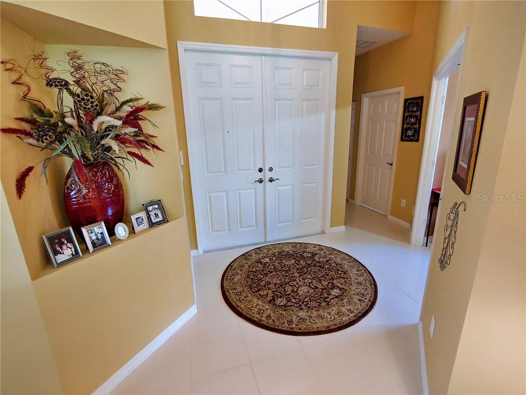 Single Family Home for sale at 6447 43rd Ct E, Sarasota, FL 34243 - MLS Number is A4437384
