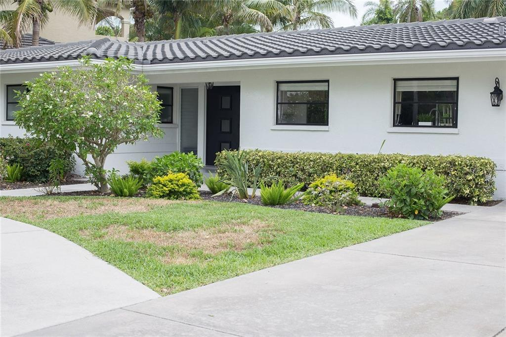 Single Family Home for sale at 430 Pheasant Way, Sarasota, FL 34236 - MLS Number is A4438096