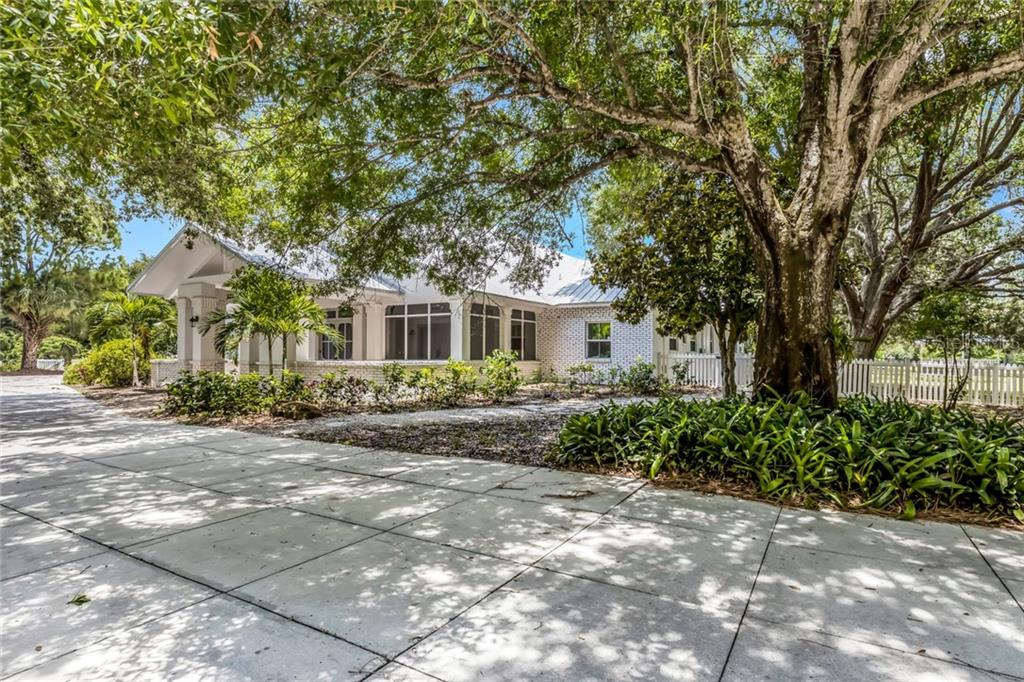 Haven of serenity ! Convenient accessibility !!! - Single Family Home for sale at 1810 21st St W, Palmetto, FL 34221 - MLS Number is A4438160