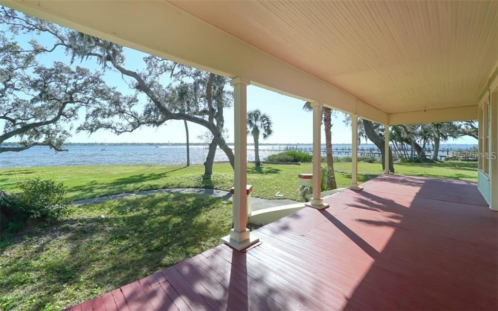 Single Family Home for sale at 301 14th Ave W, Palmetto, FL 34221 - MLS Number is A4444612
