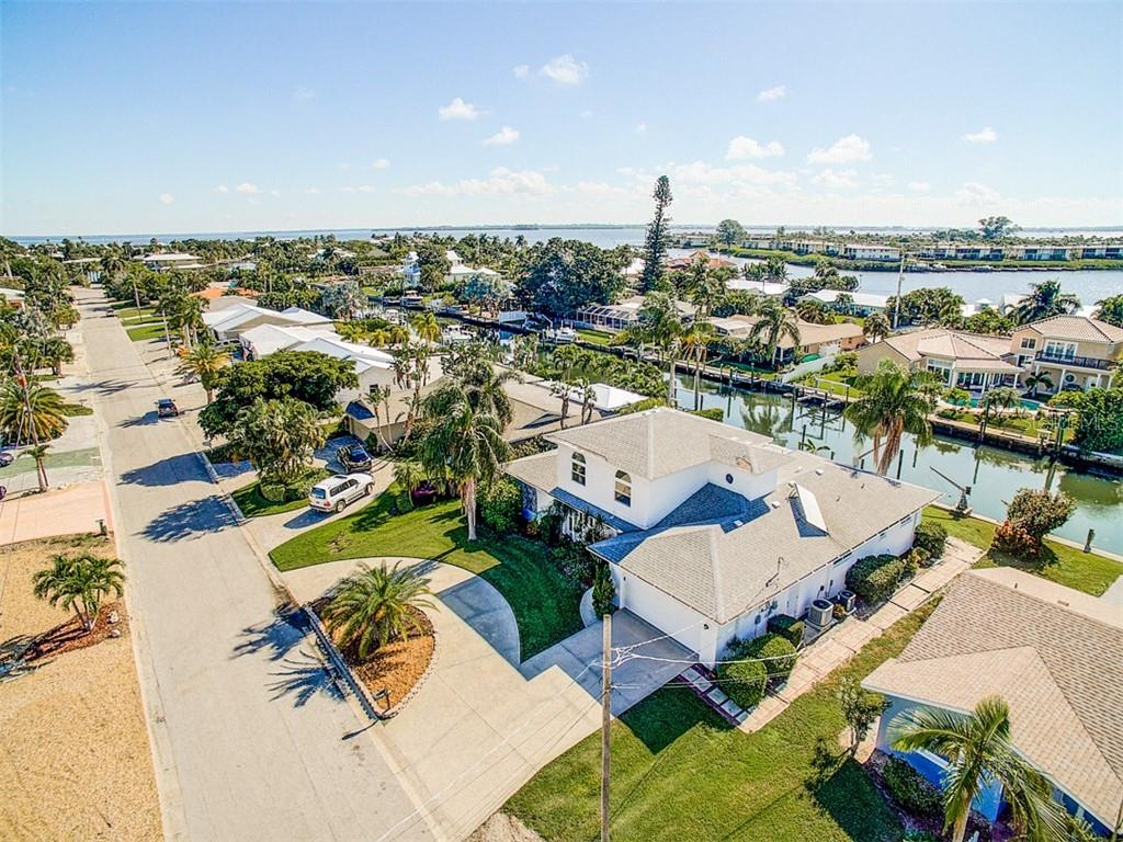 Quick access to Bimini Bay by boat. - Single Family Home for sale at 523 67th St, Holmes Beach, FL 34217 - MLS Number is A4447854