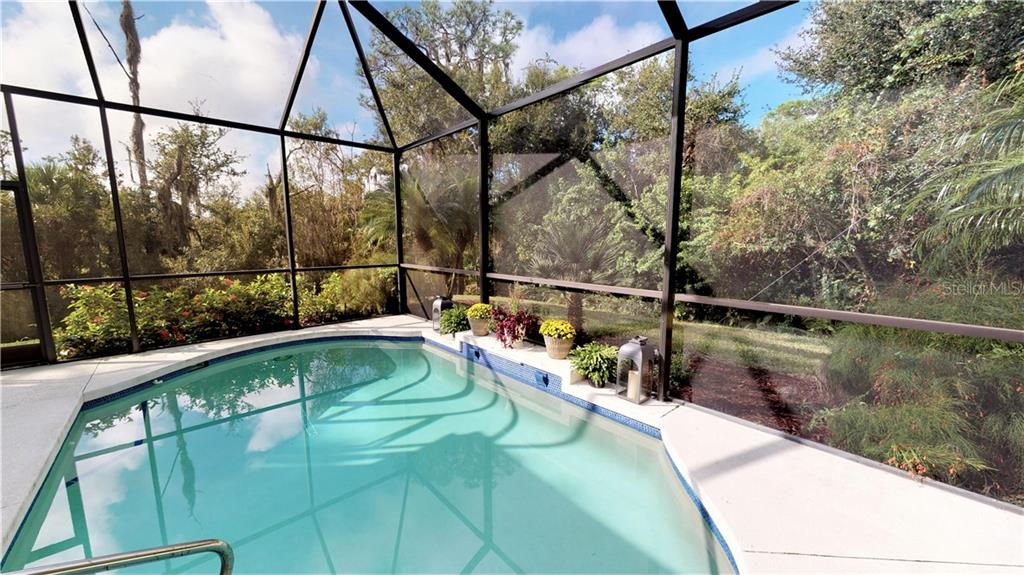 Privacy! - Single Family Home for sale at 7288 Lismore Ct, Lakewood Ranch, FL 34202 - MLS Number is A4449934
