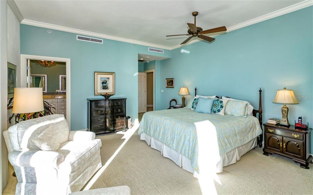 Master bedroom - Condo for sale at 1771 Ringling Blvd #ph305, Sarasota, FL 34236 - MLS Number is A4455755