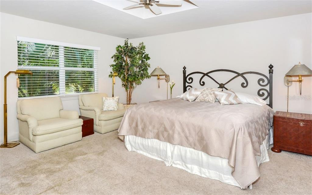2nd Guest room. - Single Family Home for sale at 4177 Escondito Cir, Sarasota, FL 34238 - MLS Number is A4456531