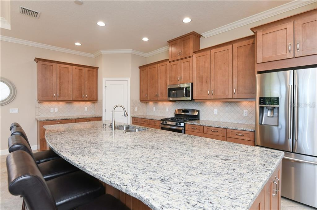 Single Family Home for sale at 5132 Napoli Run, Lakewood Ranch, FL 34211 - MLS Number is A4456803