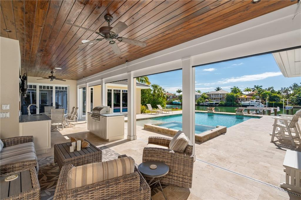 Single Family Home for sale at 863 Siesta Key Cir, Sarasota, FL 34242 - MLS Number is A4458210