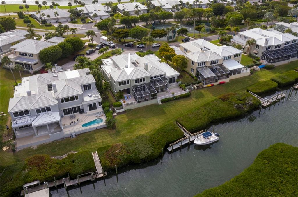 Single Family Home for sale at 3444 Mistletoe Ln, Longboat Key, FL 34228 - MLS Number is A4458382