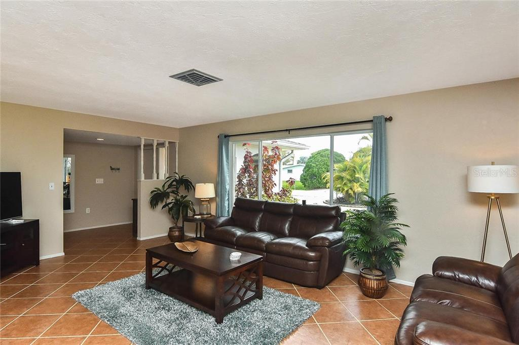 Living room to foyer - Single Family Home for sale at 1758 Croton Dr, Venice, FL 34293 - MLS Number is A4459877