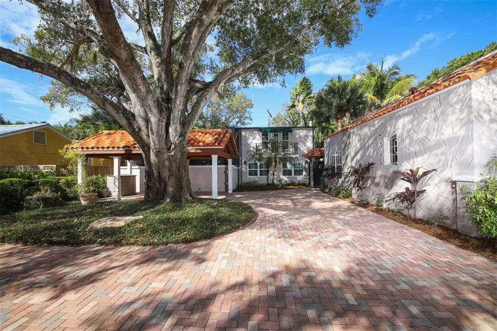 Brick paver driveway - Single Family Home for sale at 3838 Flores Ave, Sarasota, FL 34239 - MLS Number is A4461669