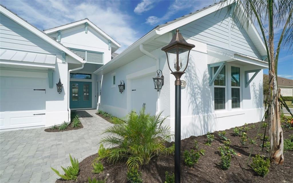 Single Family Home for sale at 16733 Collingtree Xing, Lakewood Ranch, FL 34202 - MLS Number is A4461697
