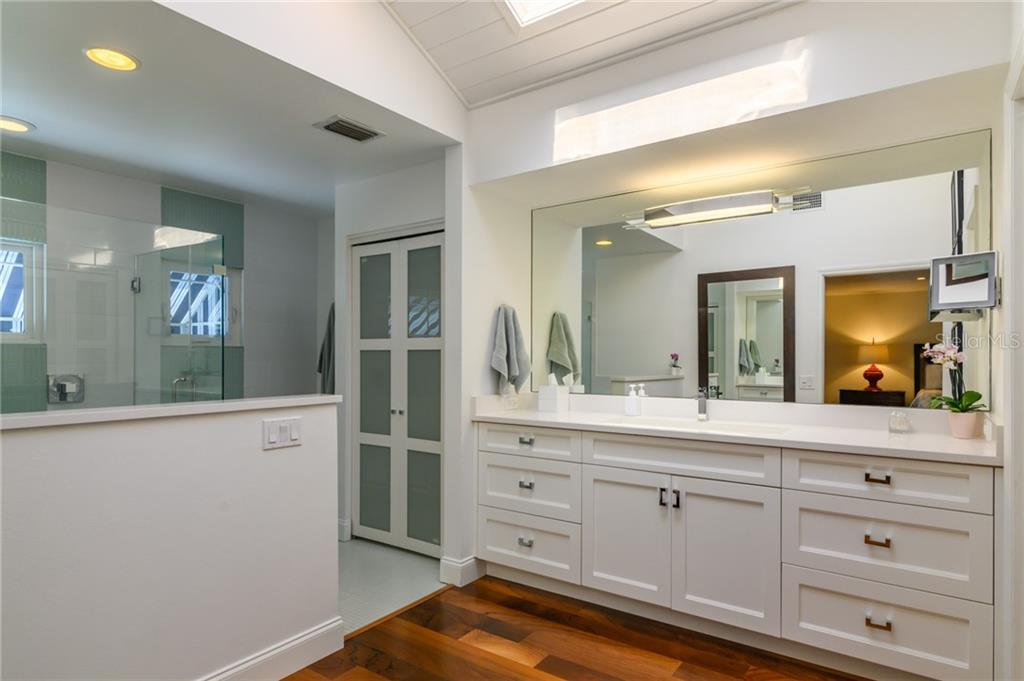 Master Bathroom - Single Family Home for sale at 7340 Point Of Rocks Rd, Sarasota, FL 34242 - MLS Number is A4461841