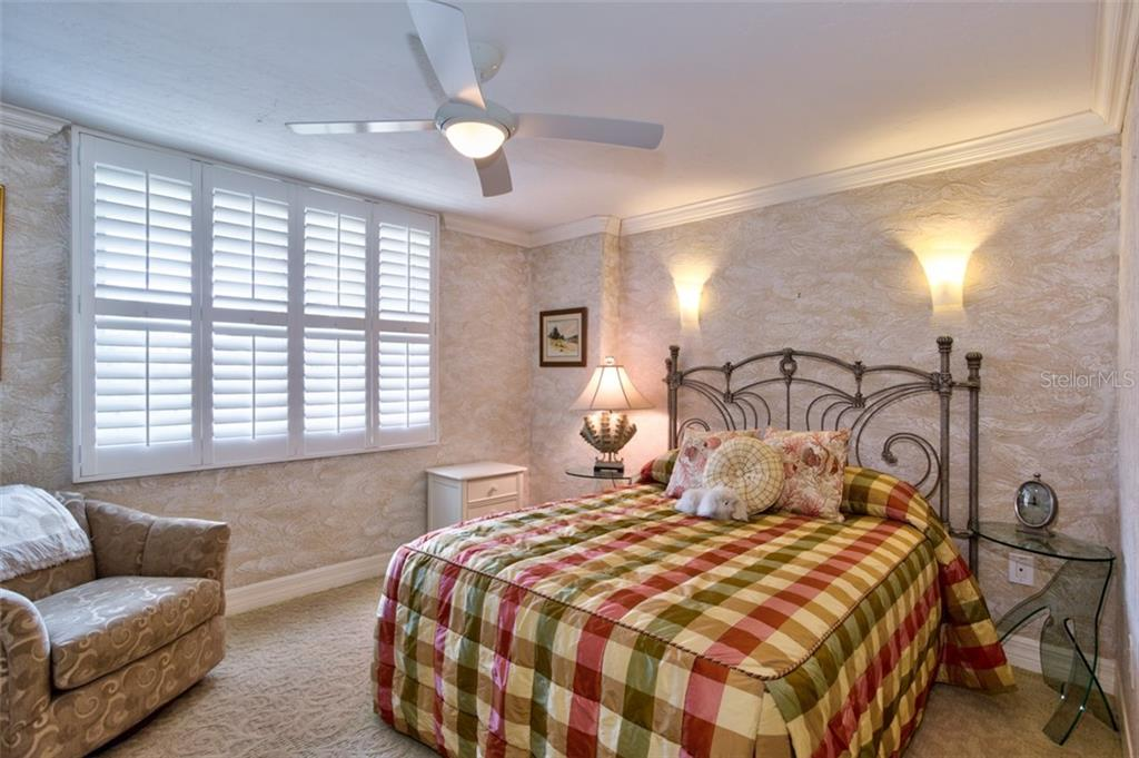 Spacious guest BR #2 ensuite - Condo for sale at 5880 Midnight Pass Rd #911, Sarasota, FL 34242 - MLS Number is A4462559