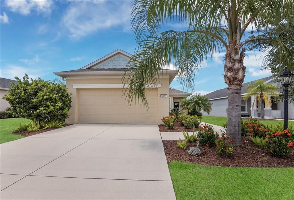 Single Family Home for sale at 12268 Longview Lake Cir, Bradenton, FL 34211 - MLS Number is A4470060