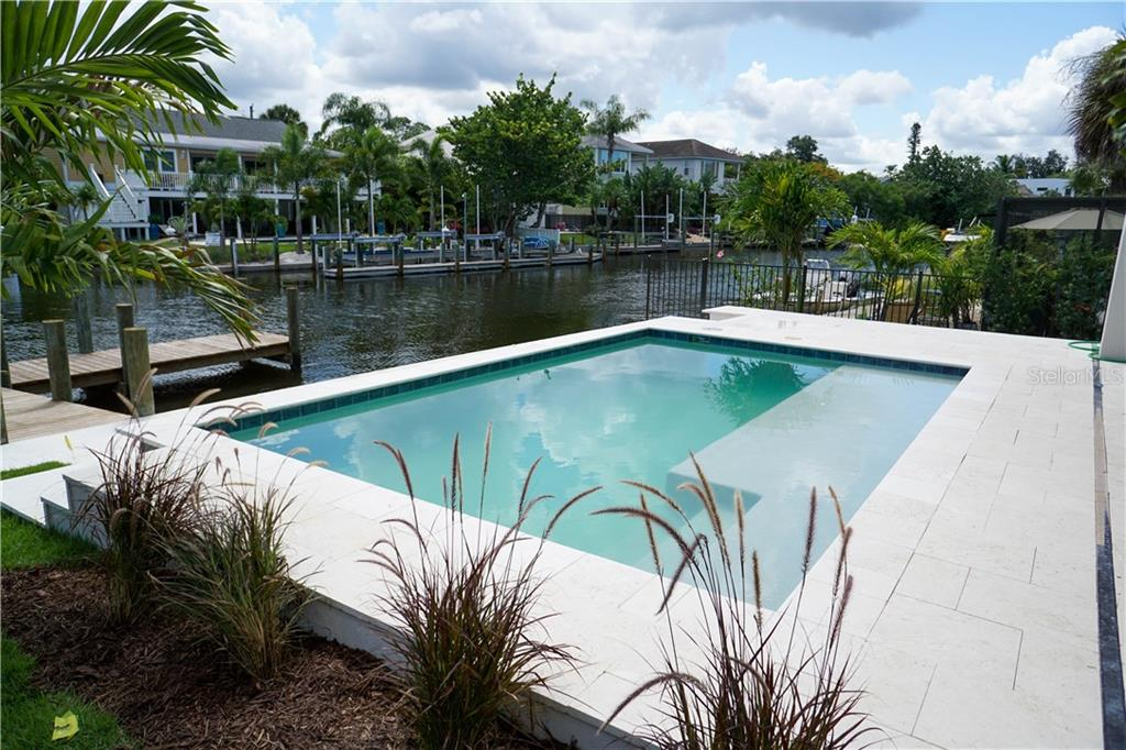 Single Family Home for sale at 4881 Oxford Drive, Sarasota, FL 34242 - MLS Number is A4471243