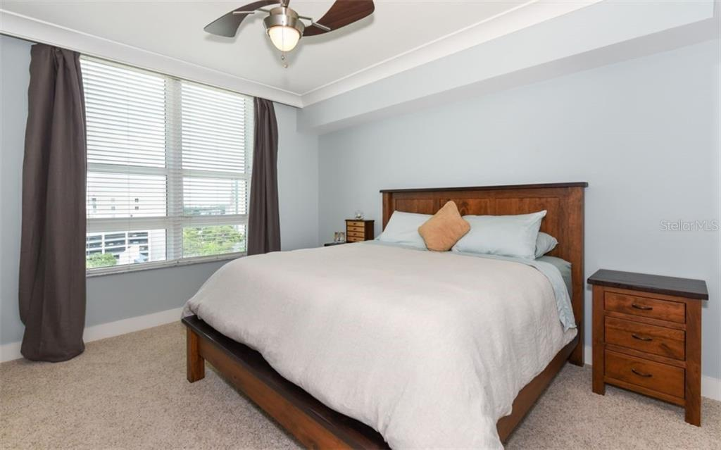 Master bedroom - Condo for sale at 1350 Main St #1001, Sarasota, FL 34236 - MLS Number is A4472708