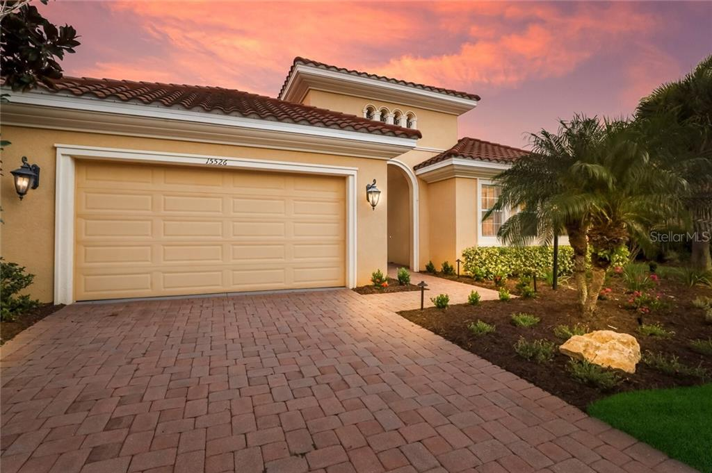 Single Family Home for sale at 15526 Leven Links Pl, Lakewood Ranch, FL 34202 - MLS Number is A4474355