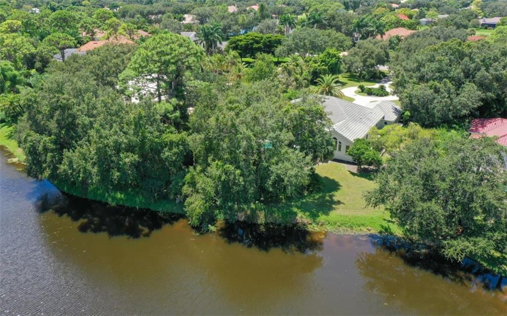 Aerial - Single Family Home for sale at 462 E Macewen Dr, Osprey, FL 34229 - MLS Number is A4476181