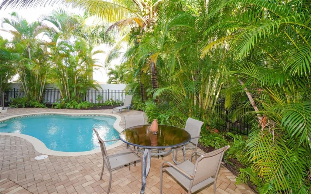 Single Family Home for sale at 3912 N Shell Rd, Sarasota, FL 34242 - MLS Number is A4479825
