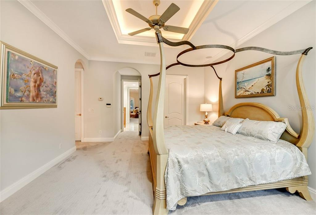High ceilings with custom recessed lighting within the crown molding - Single Family Home for sale at 501 Cutter Ln, Longboat Key, FL 34228 - MLS Number is A4480484