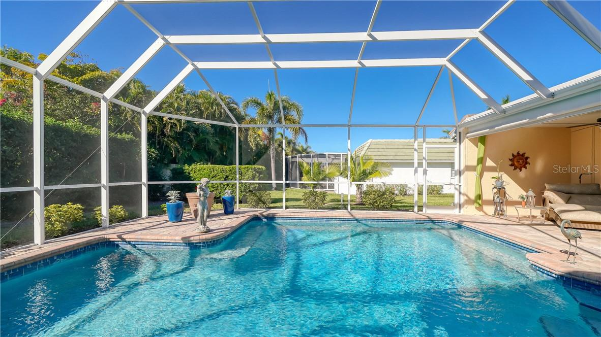 FEATURE SHEET - Single Family Home for sale at 430 Bird Key Dr, Sarasota, FL 34236 - MLS Number is A4487479