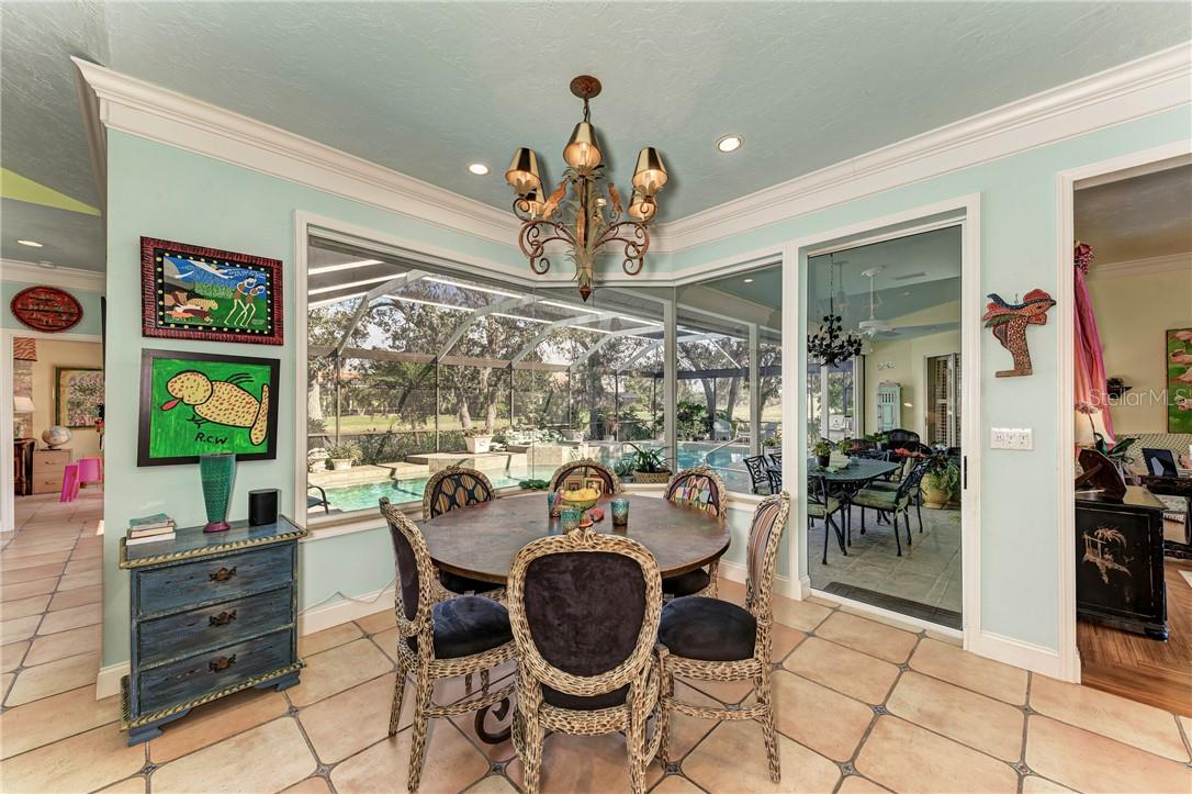 Breakfast nook - Single Family Home for sale at 7879 Estancia Way, Sarasota, FL 34238 - MLS Number is A4490318