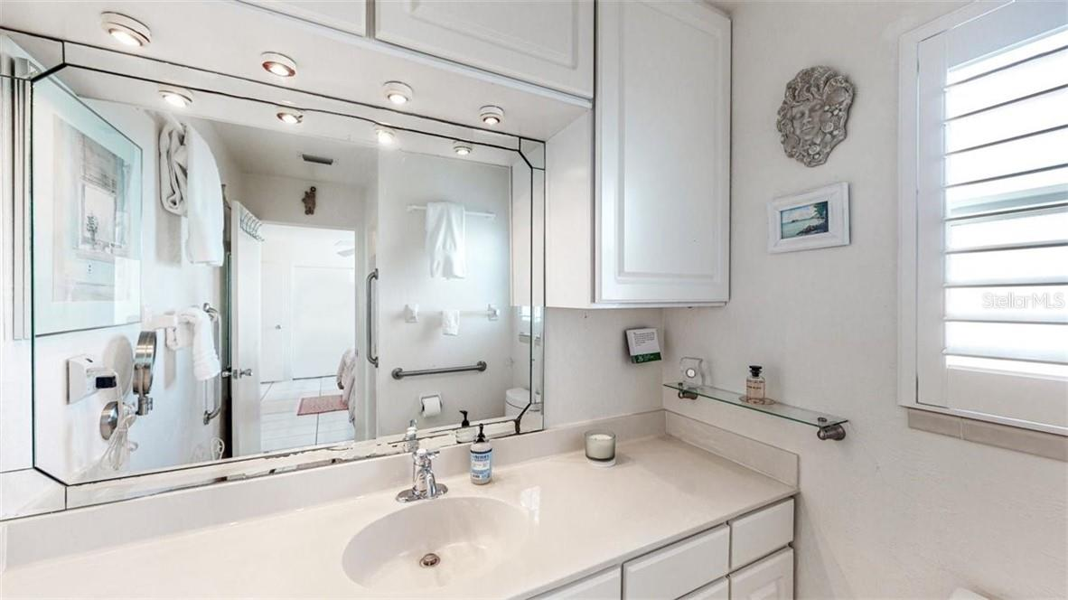 Bedroom 2 - Condo for sale at 5400 Gulf Dr #44, Holmes Beach, FL 34217 - MLS Number is A4493017