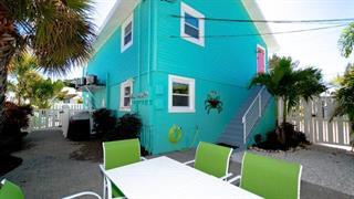 308 2nd St N #202, Bradenton Beach, FL 34217