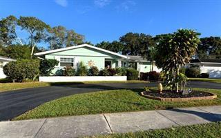 3361 Kenmore Dr, Sarasota, FL 34231