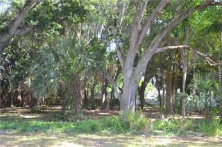 3834 Iroquois Ave, Sarasota, FL 34234