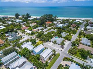 4807 2nd Ave, Holmes Beach, FL 34217