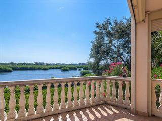 5450 Eagles Point Cir #105, Sarasota, FL 34231