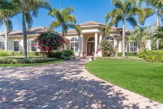 4008 Founders Club Dr, Sarasota, FL 34240