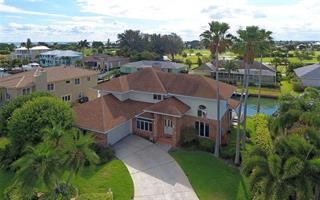 620 N Point Dr, Holmes Beach, FL 34217