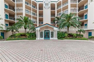 5450 Eagles Point Cir #404, Sarasota, FL 34231