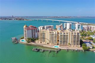 464 Golden Gate Pt #204, Sarasota, FL 34236