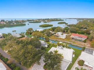 611 Ramblin Rose Ln, Nokomis, FL 34275