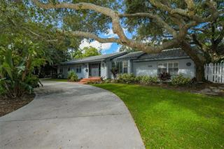 1723 South Dr, Sarasota, FL 34239