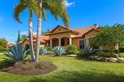 7832 Crest Hammock Way, Sarasota, FL 34240