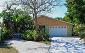 5816 16th St W, Bradenton, FL 34207