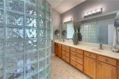 Master bathroom - Single Family Home for sale at 701 Misty Pond Ct, Bradenton, FL 34212 - MLS Number is A4476203