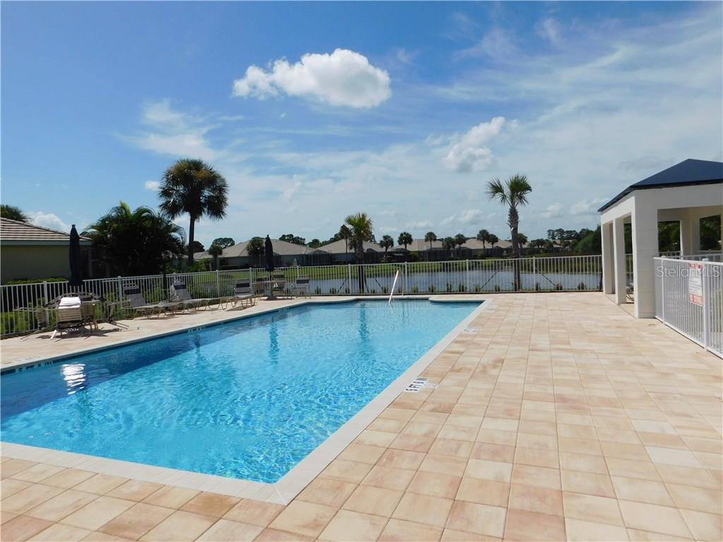 Community Pool - Villa for sale at 1578 Monarch Dr #1578, Venice, FL 34293 - MLS Number is N5911451