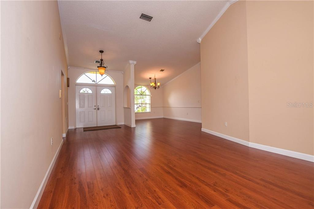 Dining Room - Single Family Home for sale at 512 Warwick Dr, Venice, FL 34293 - MLS Number is N5912872