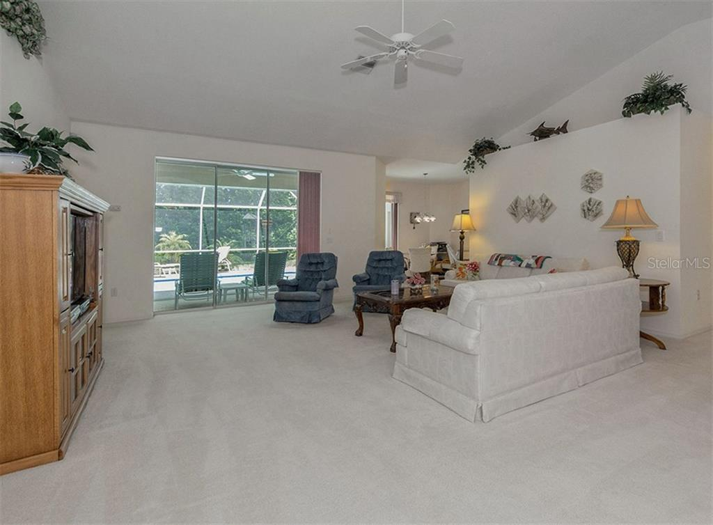 Great room - Single Family Home for sale at 577 Park Estates Sq, Venice, FL 34293 - MLS Number is N5914129