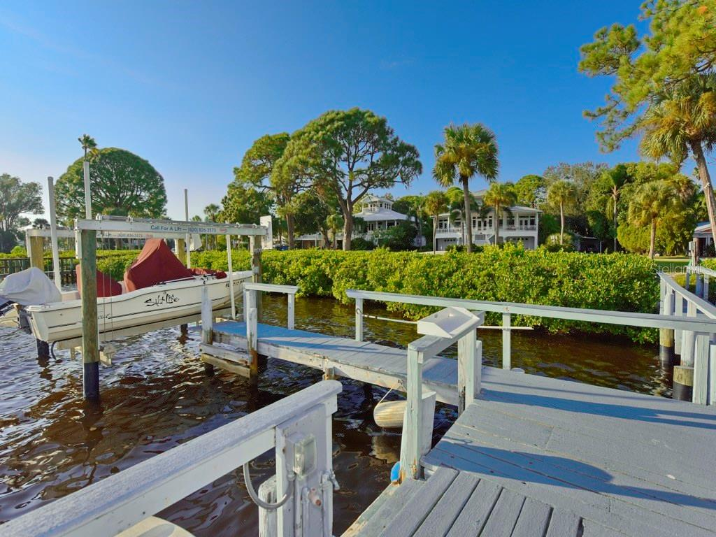 New Boat Dock Decking followed these pictures. - Single Family Home for sale at 200 Sunrise Dr, Nokomis, FL 34275 - MLS Number is N5914820