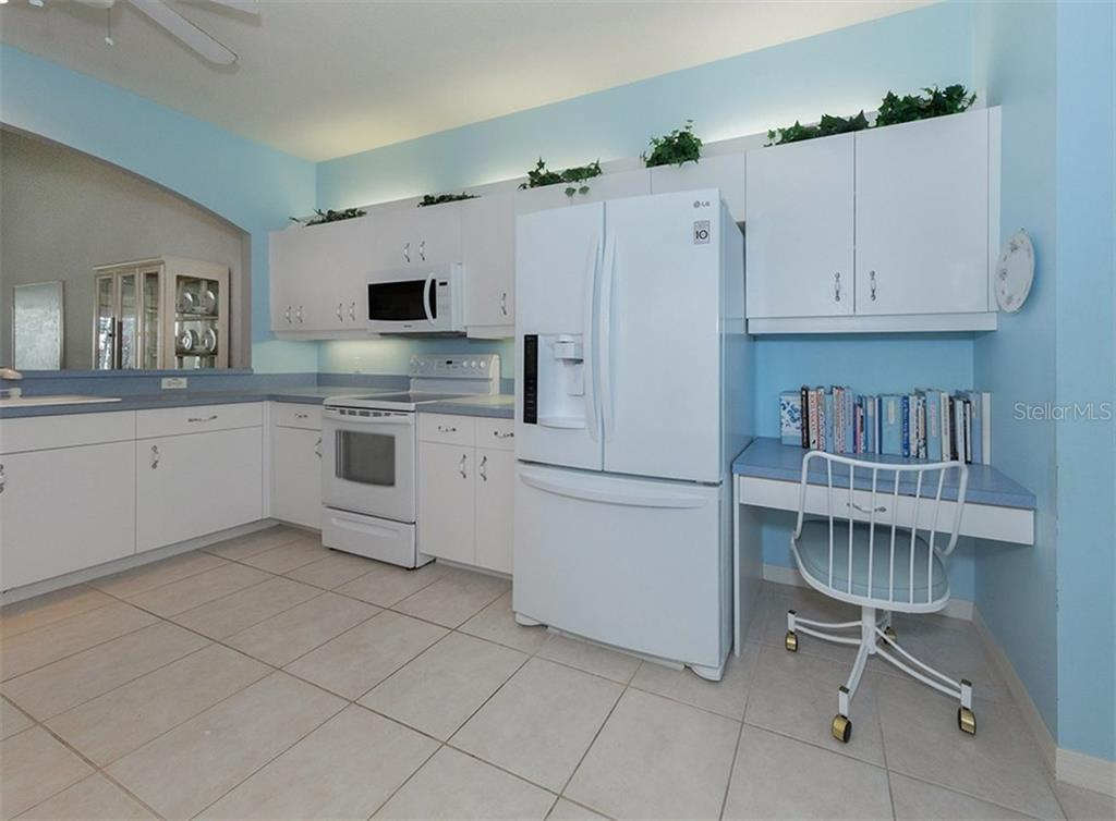 Villa for sale at 893 Chalmers Dr #2, Venice, FL 34293 - MLS Number is N5915592